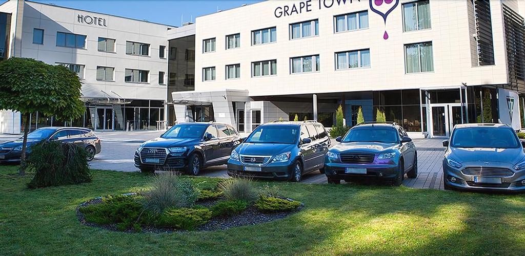 Grape Town Hotel, Zielona