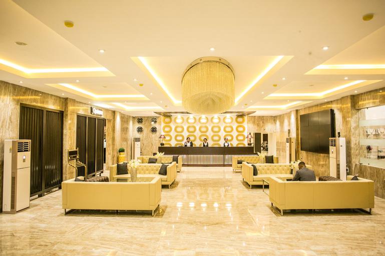 Echelon Heights Hotel, Obio/Akp