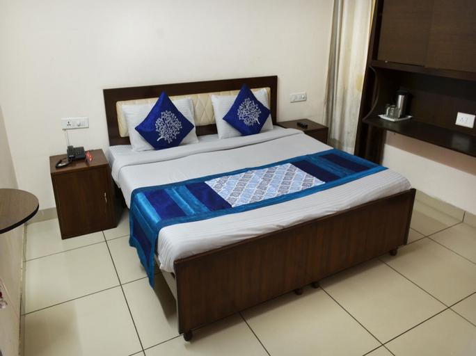 OYO 6298 Motel Divine, Sahibzada Ajit Singh Nagar