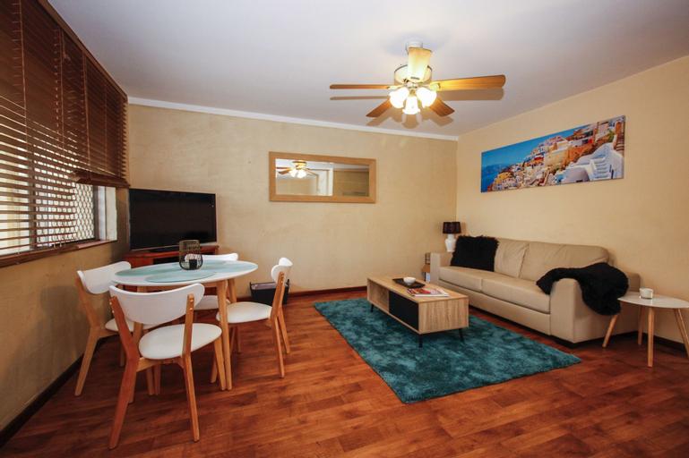 Mosman Park Beach Apartment, Mosman Park