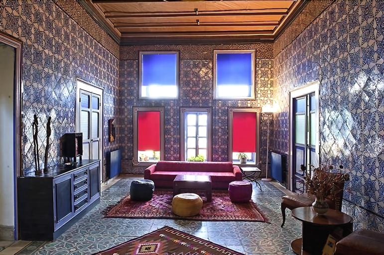 La Chambre Bleue, Sidi El Béchir