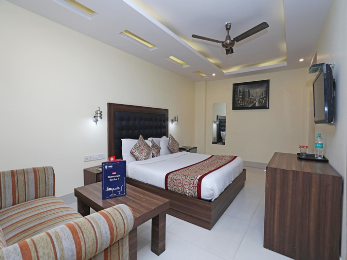 OYO 484 RTS Hotel, West