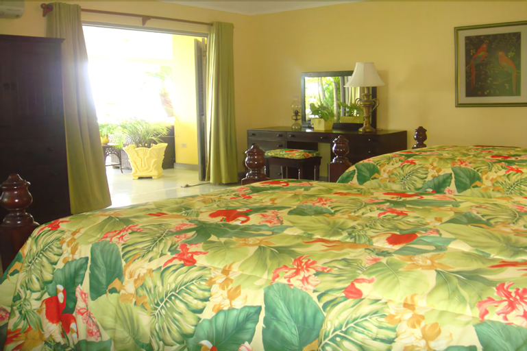 Kelso Villa, 4BR by Jamaican Treasures,