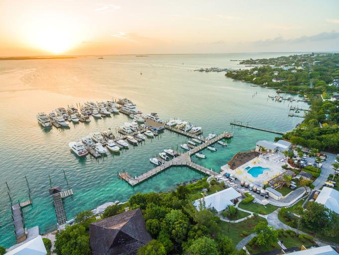 Romora Bay Resort & Marina,