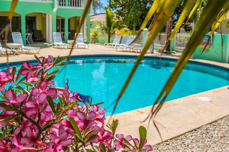 Coral Paradise Resort,