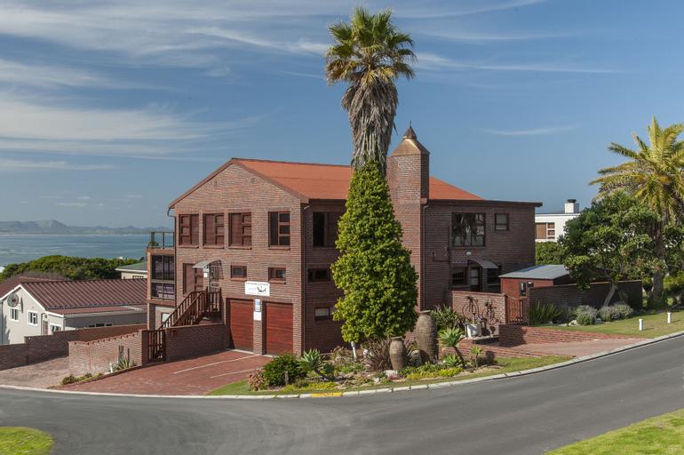 White Shark Guest House, Overberg
