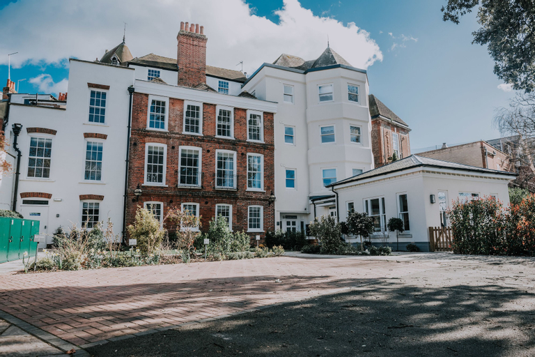 Cavendish House, Slough