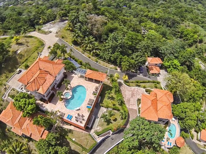 Tropical Lagoon Resort,