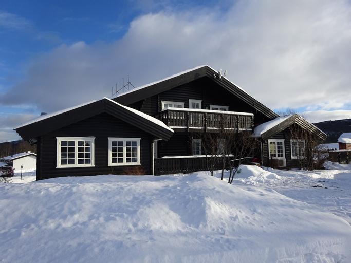 Øen Turistsenter Geilo, Hol