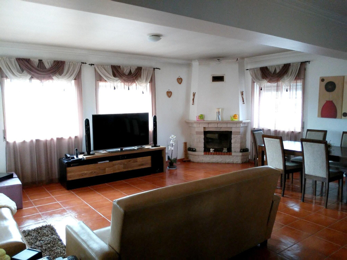 House With 3 Bedrooms in Ferrel, With Wonderful City View, Enclosed Garden and Wifi, Peniche