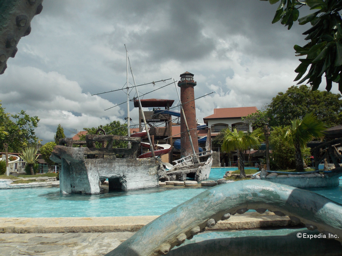 Caribbean Waterpark and Resotel, Bacolod City