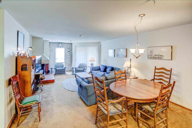 Aspen Creek 114 - Two Bedroom Condo, Mono