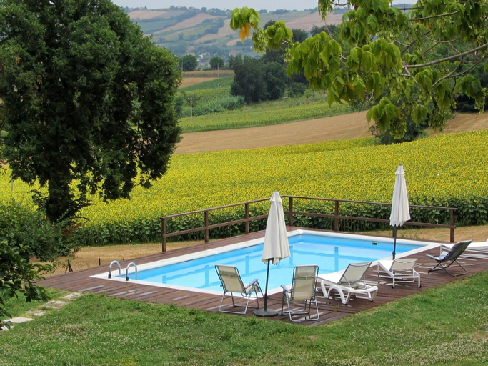 Villa With 6 Bedrooms in Mondavio, With Wonderful Mountain View, Priva, Pesaro E Urbino