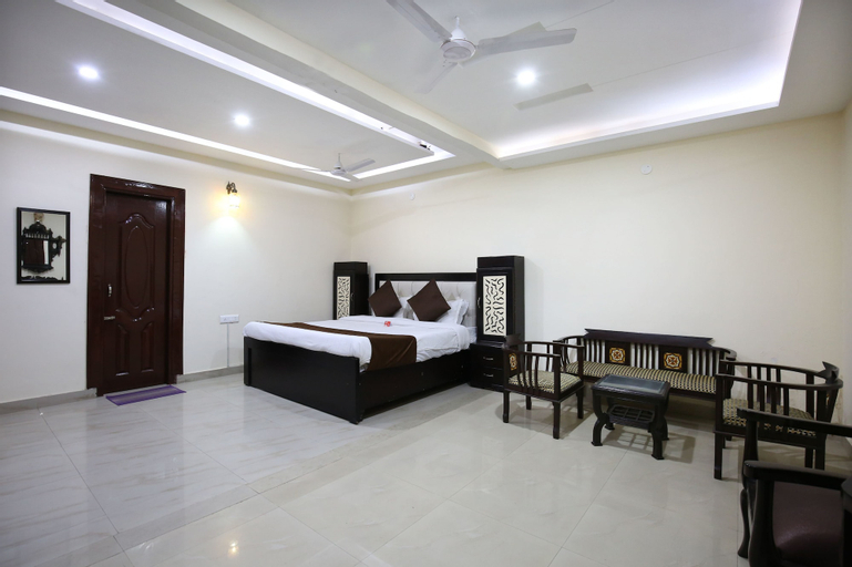 OYO 8865 Hotel Baj Celebration, Jalandhar