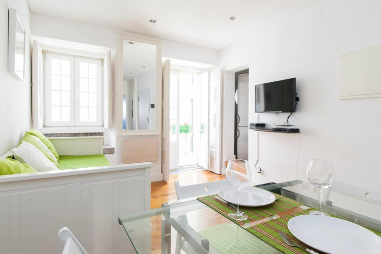 Alfama for Four Apartment Rentexperience, Lisboa