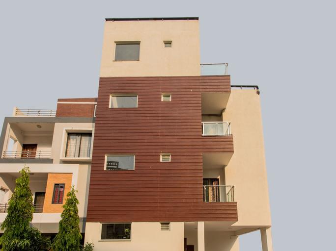 OYO 12353 Jineshwari Hotel, Indore