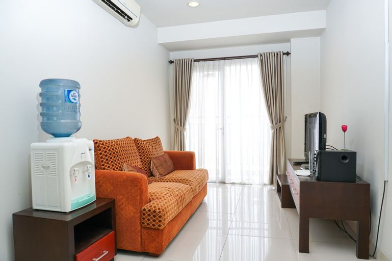 Elegant Pool View 2BR Cosmo Mansion Apartment, Central Jakarta
