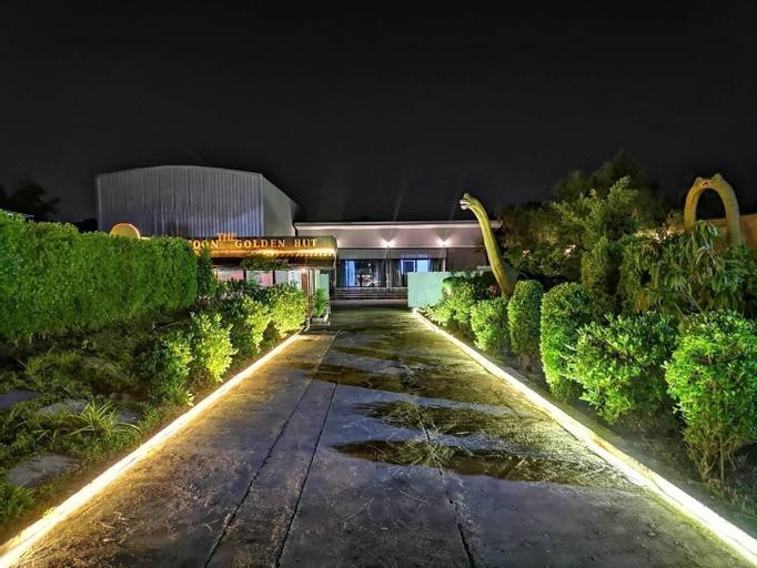The Golden Hut, Bang Lamung
