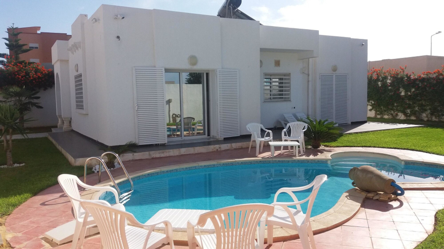 House With 3 Bedrooms in Raoued, With Private Pool, Enclosed Garden an, Soukra