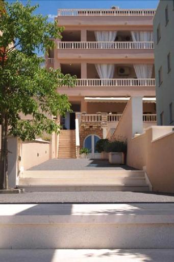 Apartments Pino, Makarska