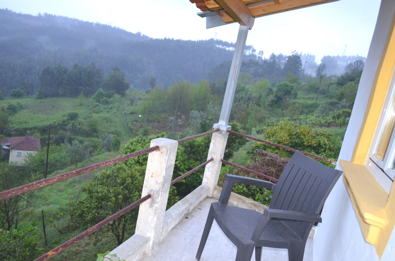 House With 5 Bedrooms in Vila Nova de Poiares, With Wonderful Mountain, Vila Nova de Poiares