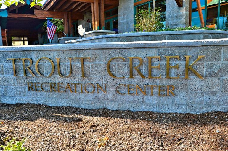 Updated Tahoe Donner Retreat, Nevada