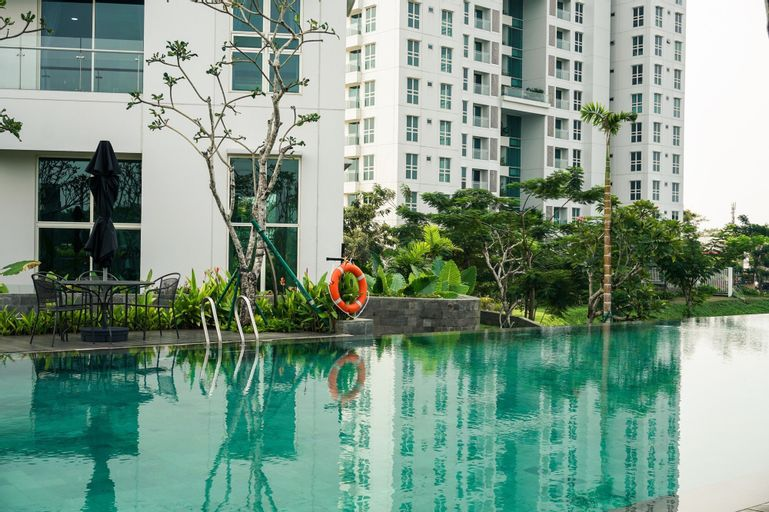 1BR Luxury Citra Lake Suites Apartment By Travelio, West Jakarta