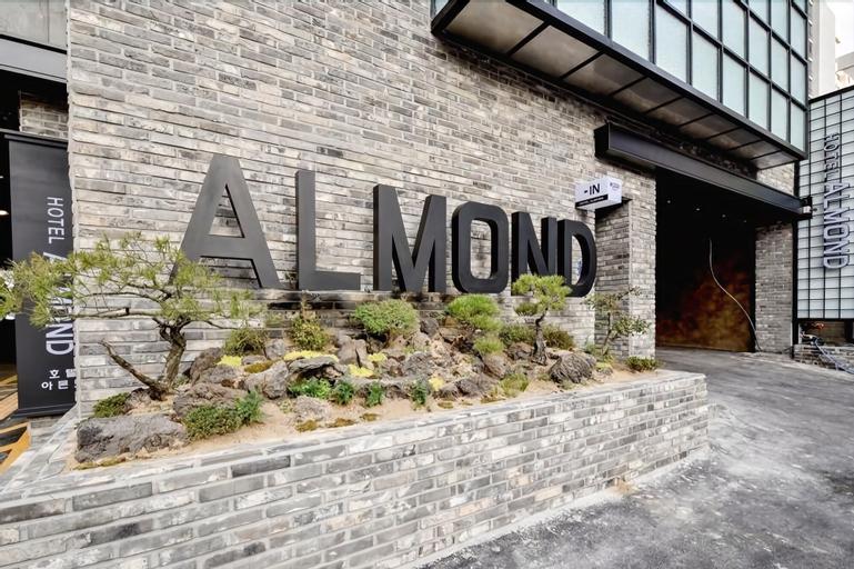 Masan Almond Hotel, Masan