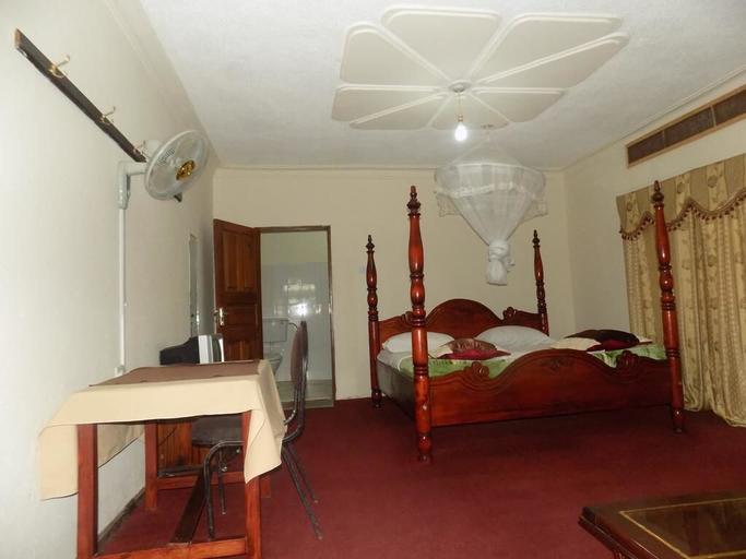 Town View Hotel, Buwekula