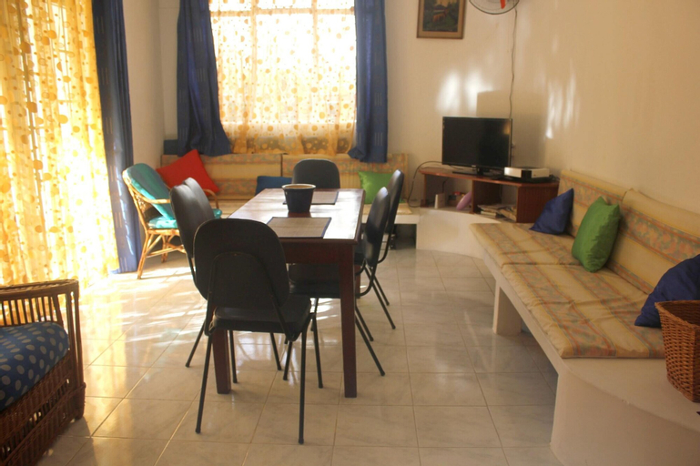 Apartment With 2 Bedrooms in Pereybere, With Enclosed Garden - 200 m From the Beach,