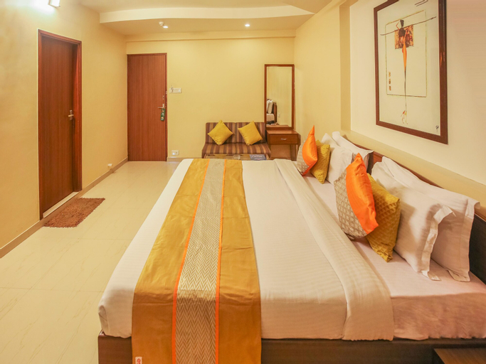 OYO 703 Hotel Shahi Palace, Ahmadabad