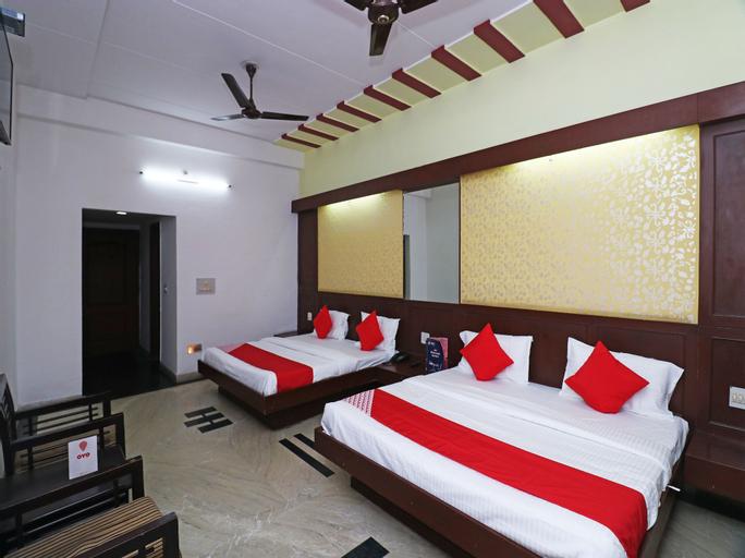 OYO 15383 Hotel Grand Melrose, Aligarh