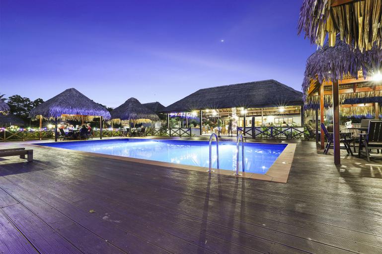 Beachfront Resort, Luganville