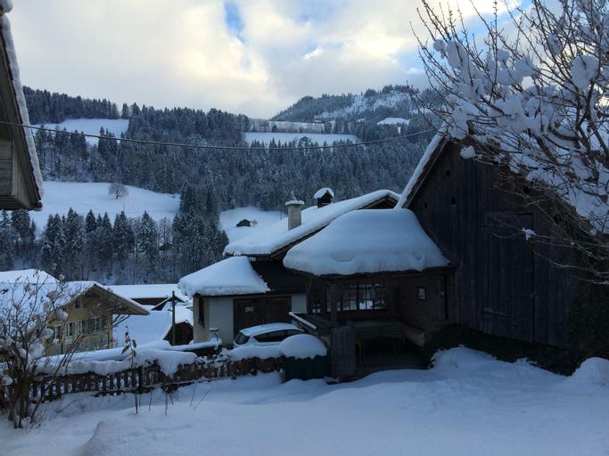 200 Year Old Swiss House, Niedersimmental