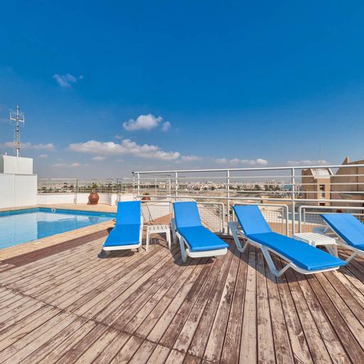 Flamingo Beach Hotel,