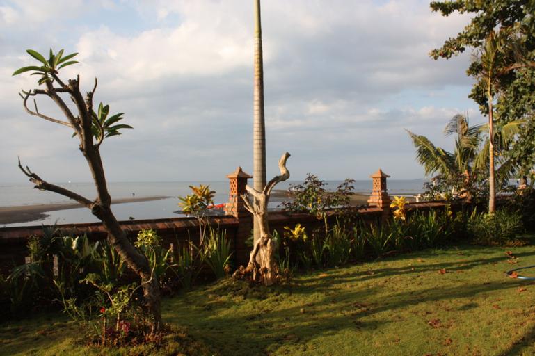 Joglo on the Beach, Buleleng