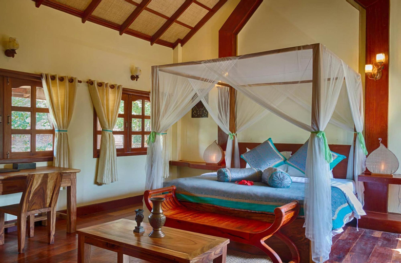 Le Flamboyant Resort, Kaeb