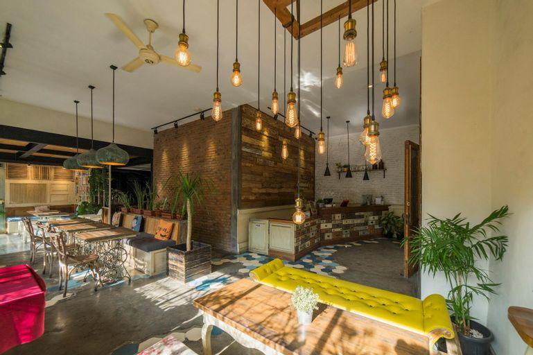 Summerbird Bed and Brasserie, Bandung