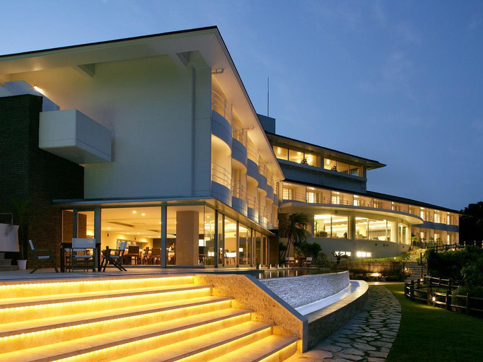 Hotel Hamahigashima Resort, Uruma