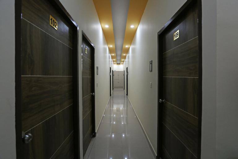 OYO 28867 Hotel Rock Star, Faridabad