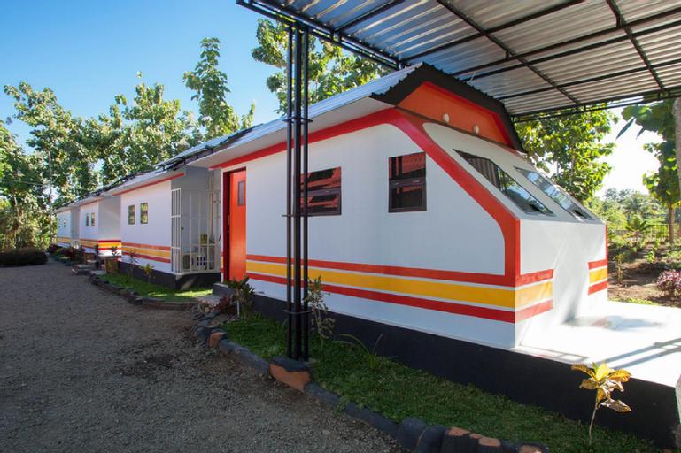 REDDOORZ SYARIAH NEAR KARANGASEM TRAIN STATION, Banyuwangi