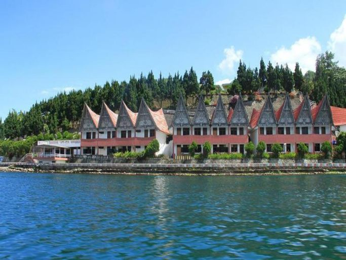 Danau Toba International Cottage, Toba