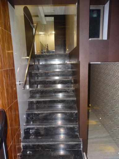 Hotel Qamar, Mumbai City