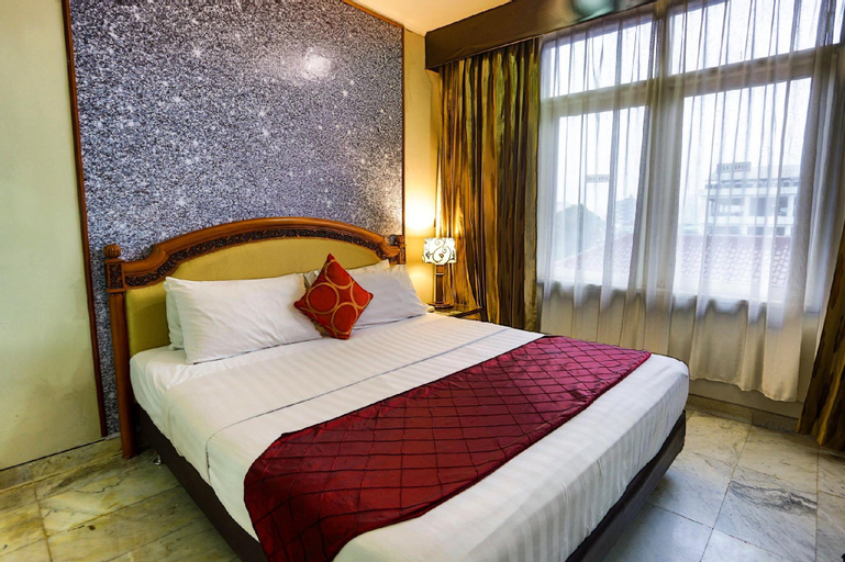 Johns Pardede Internasional Hotel, Central Jakarta