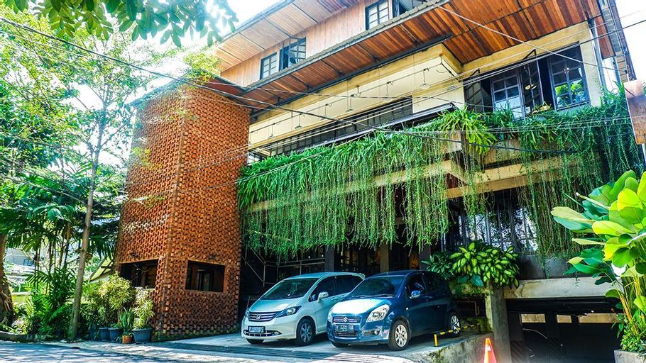 Triple Seven Bed & Breakfast, Bandung