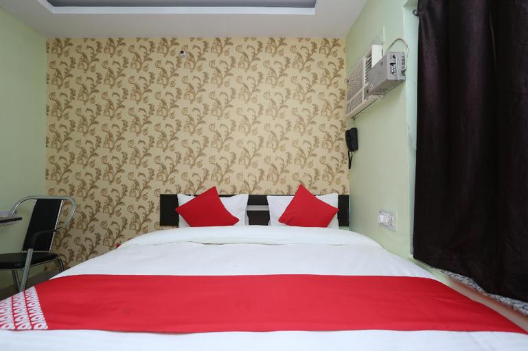 OYO 33500 Hotel Cross Road, Faridabad