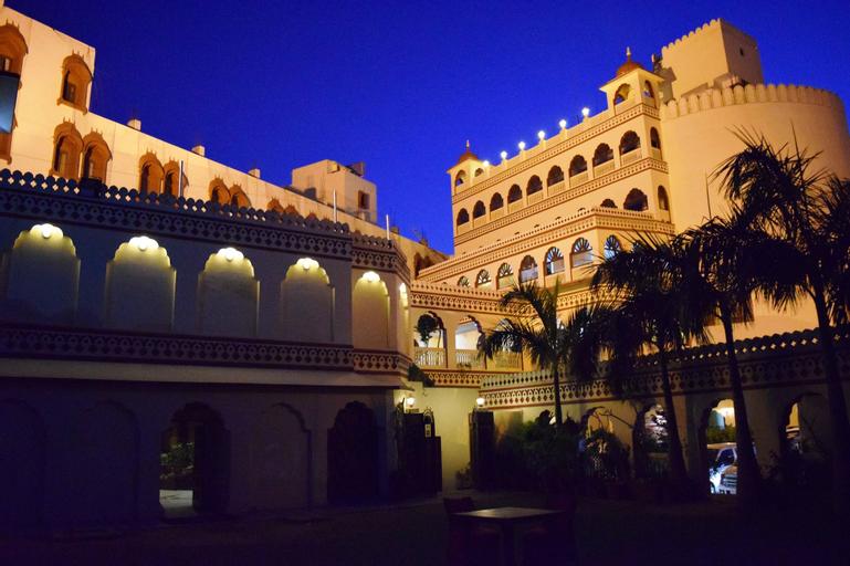 Hotel Fort Chandragupt Jaipur, Jaipur