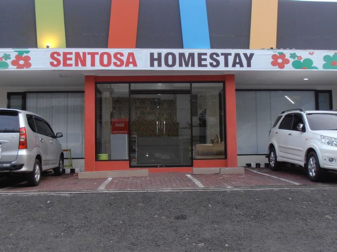 Sentosa Homestay, Surabaya