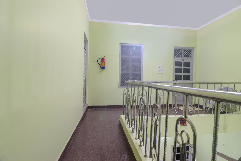 OYO 66876 Santoshi Guest House, Bulandshahr