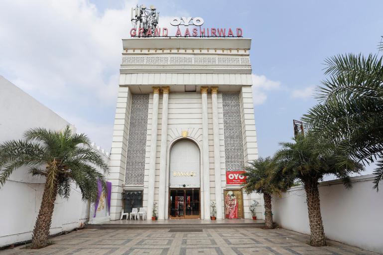 Capital O 71643 Grand Aashirwad, Ghaziabad